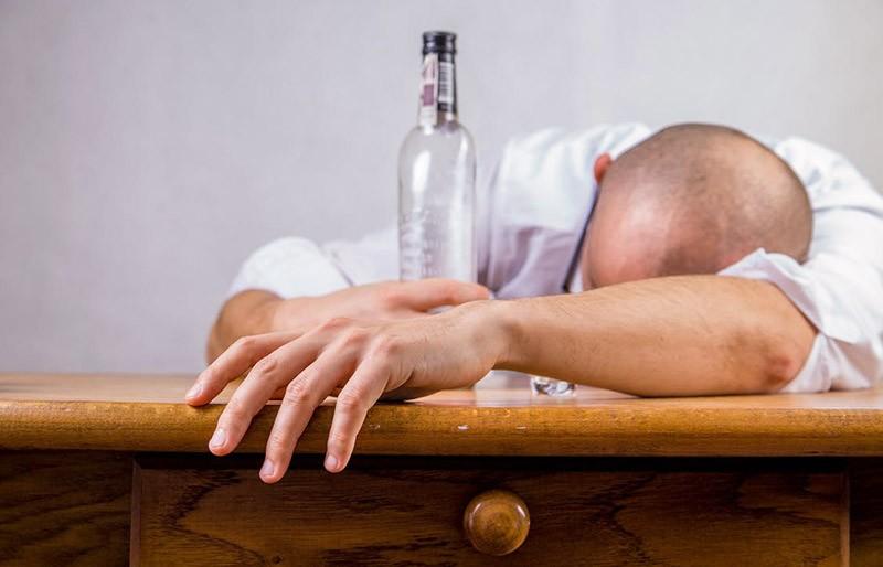 Wie lange kein Alkohol nach Weisheitszahn OP?
