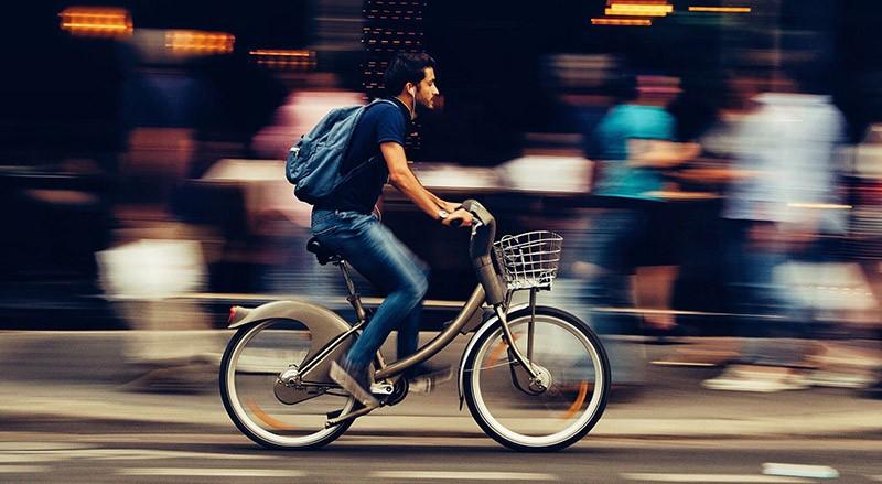 Radfahren nach Weisheitszahn OP Fahrrad fahren