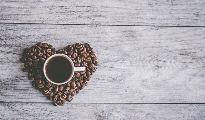 Weisheitszahn OP Kaffee trinken